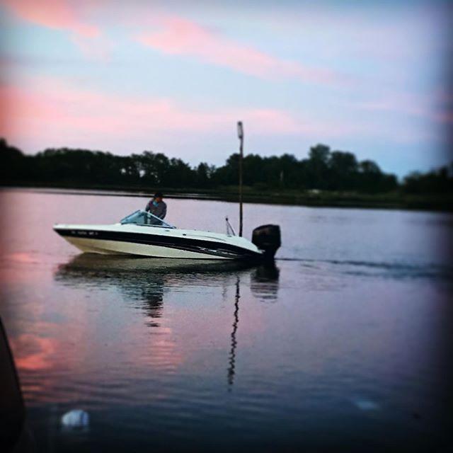 Pink sky tonight tomorrow shredders delight! #searay #mototvnetworks #saltlife