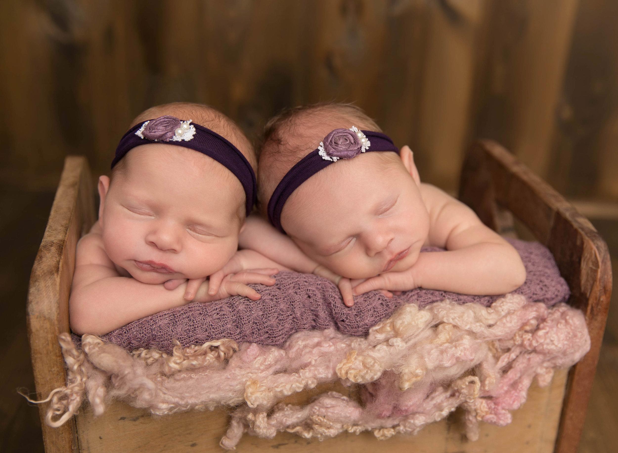Newborn Photography | Newborn Photographer | Kawartha Lakes Photographer | Lindsay Photographer | Lindsay Ontario Photographer | Kawartha Lakes Photographer | Kawartha Lakes Favourite Photographer | Readers Choice Awards | Morgan Bress Photography | Twins | Twin Newborn Session | Multiple Births | Newborn Twin Posing