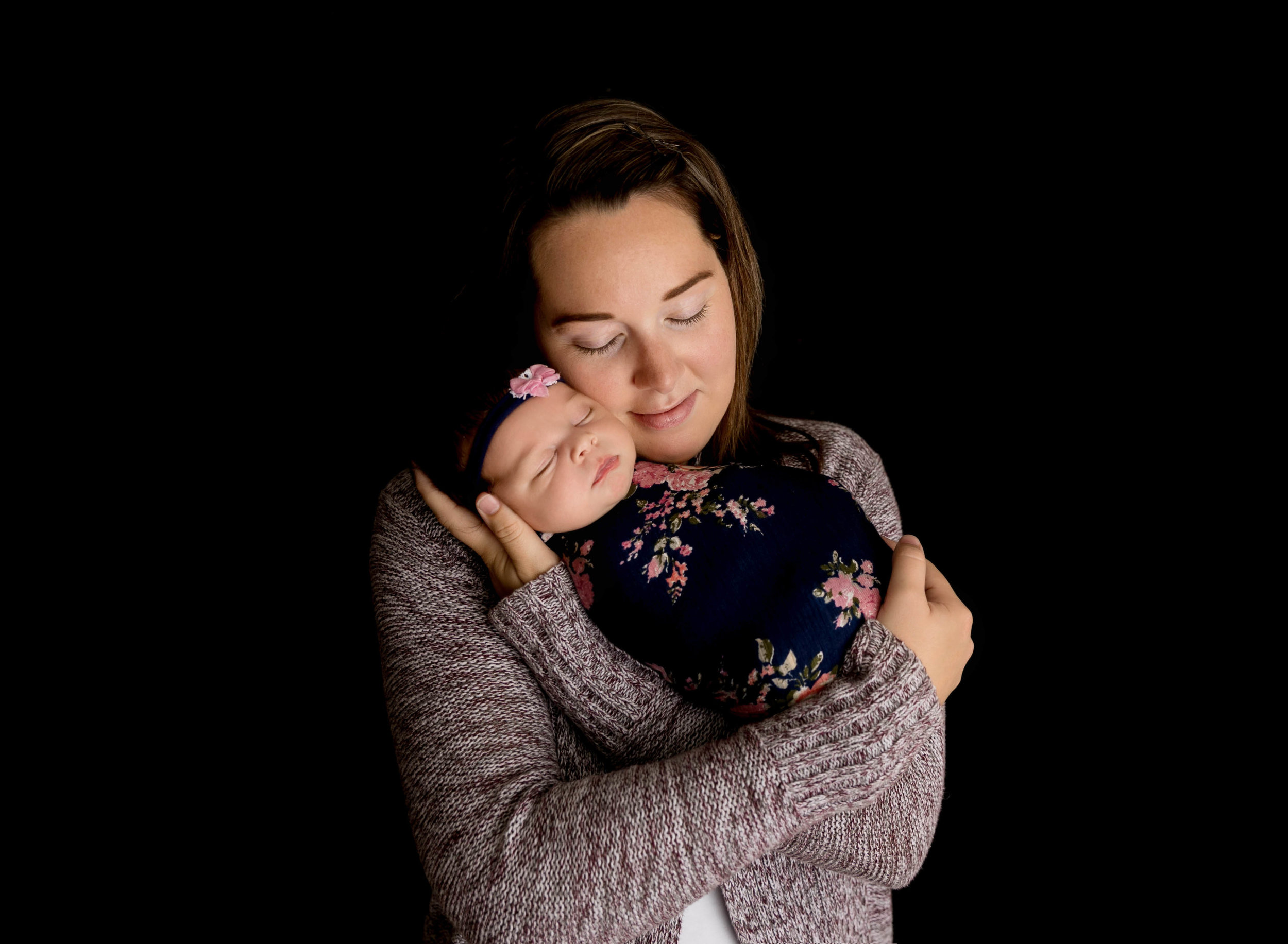 Newborn Photography | Newborn Photographer | Kawartha Lakes Photographer | Lindsay Photographer | Lindsay Ontario Photographer | Kawartha Lakes Photographer | Kawartha Lakes Favourite Photographer | Readers Choice Awards | Morgan Bress Photography | Makenzie Dodds | Megan Dodds | Mother Daughter Pose |