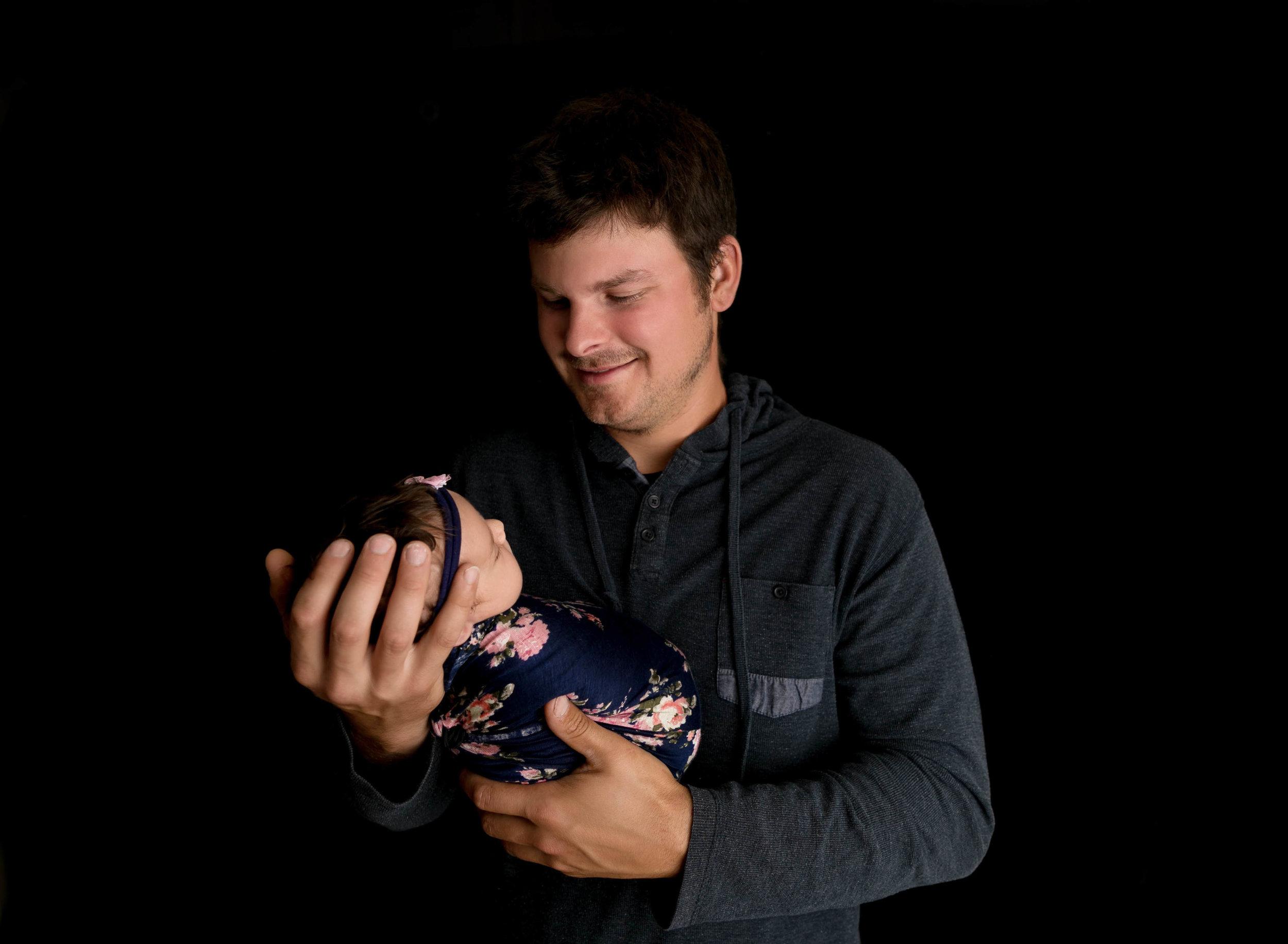 Newborn Photography | Newborn Photographer | Kawartha Lakes Photographer | Lindsay Photographer | Lindsay Ontario Photographer | Kawartha Lakes Photographer | Kawartha Lakes Favourite Photographer | Readers Choice Awards | Morgan Bress Photography | Makenzie Dodds | Megan Dodds