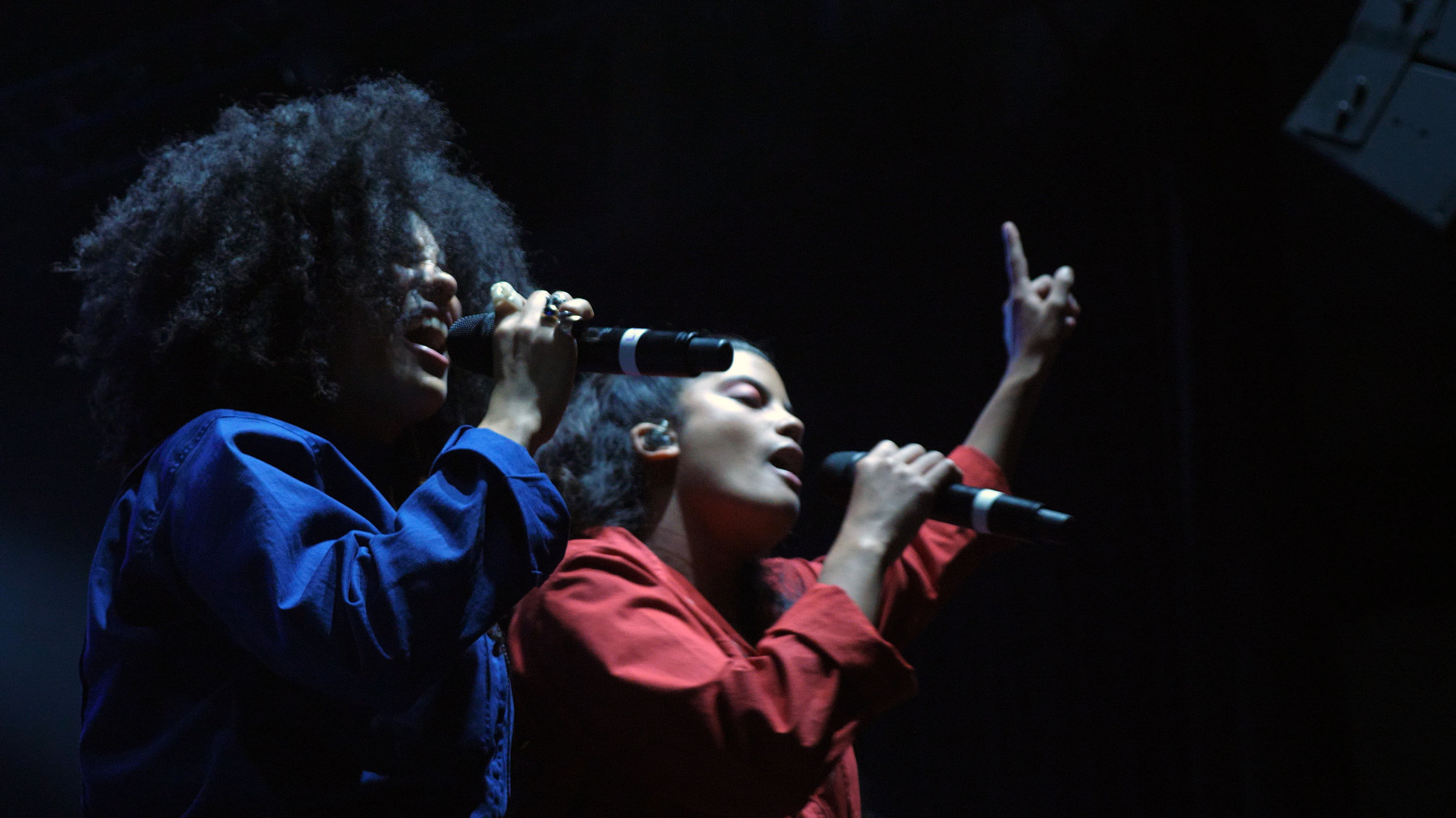 ibeyi - It's when faced with tragedy that we find out who we really are. Naomi and Lisa Diaz's musicality rose from the ashes of loved ones.Season 3, Episode 12