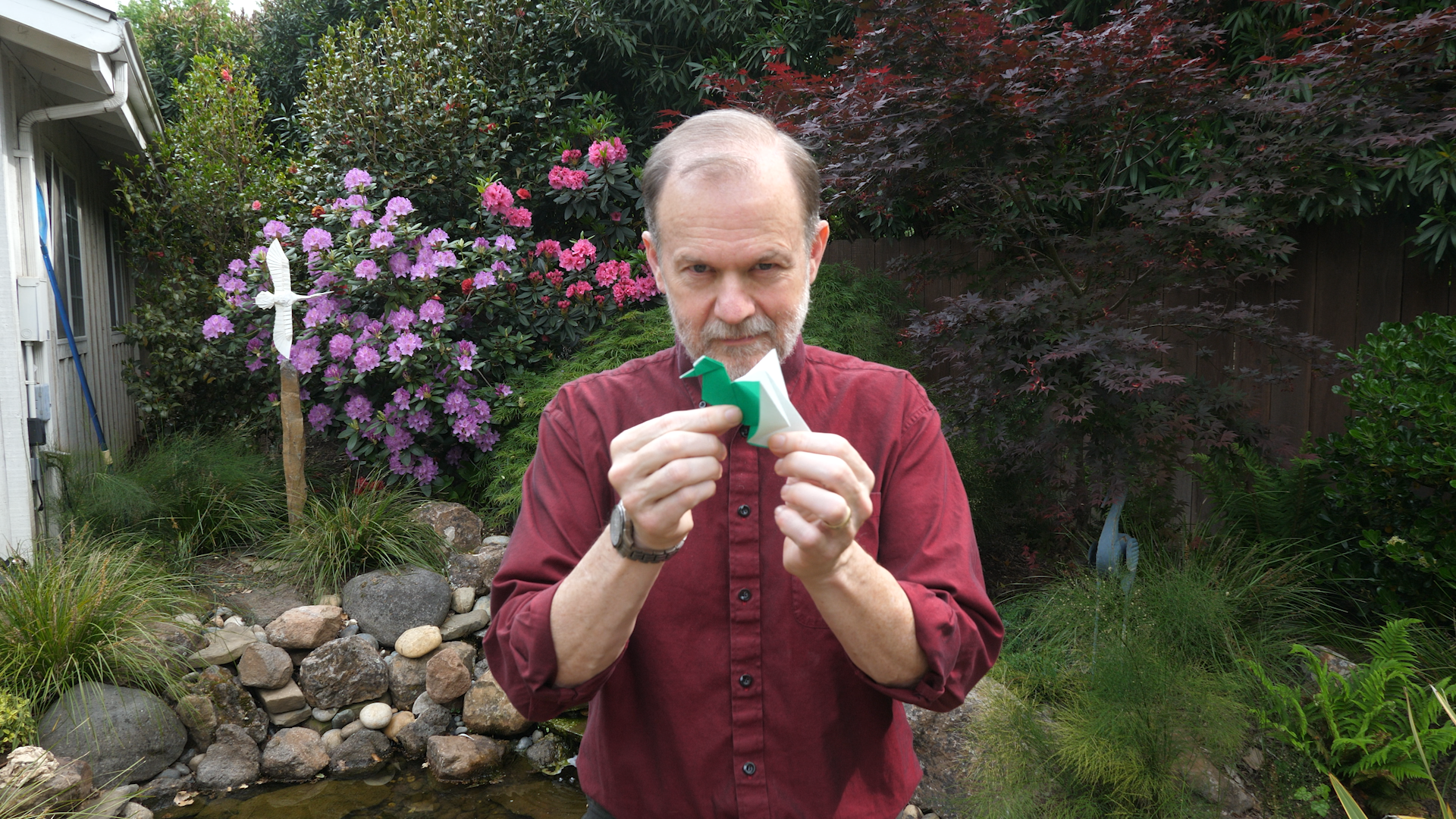 Robert J. Lang: Know How To Fold 'Em - Former NASA physicist Robert J. Lang finds a natural fit for his mathematical mind in the ancient art of origami.Season 4, Episode 3