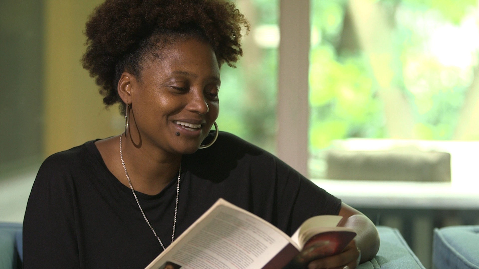 Tracy K. Smith: Ghost Writing - Loss has shaped Tracy K. Smith's perspective: as a poet, and as a person.Season 4, Episode 4