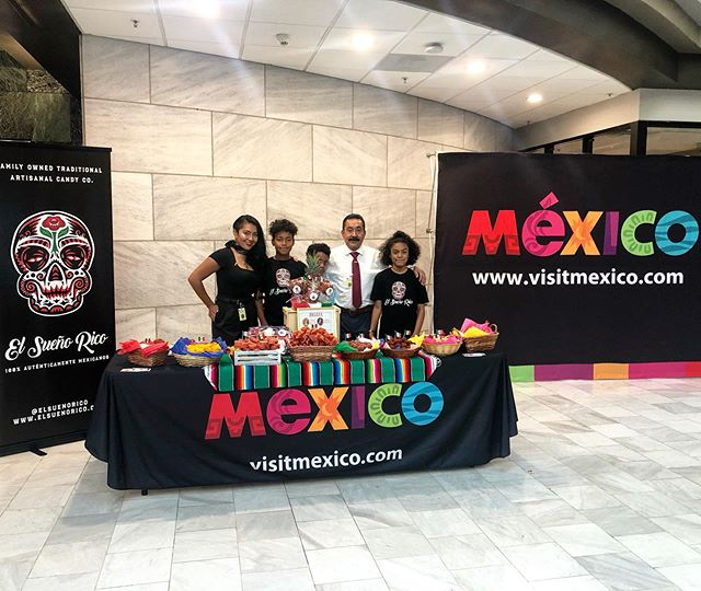 We are so honored to be a part of The 209th Celebration of The Independence of Mexico with @consulmex_atlanta and @welcomingatlanta at the Atlanta City Hall. We are so happy to see how much everyone enjoys our sweet #elsuenorico dulces. Viva Mexico 🇲🇽 #mexicancandy #dulcesmexicanos #tamarindo #cultura