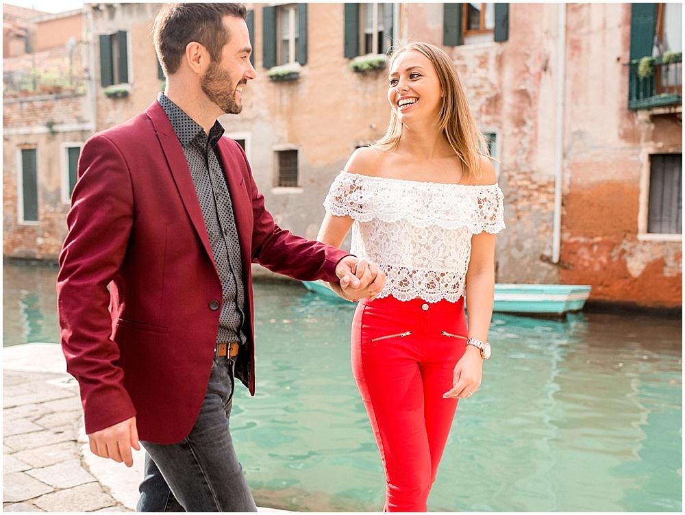 venice-italy-wedding-proposal-gondola-sunset-photoshoot12.jpg