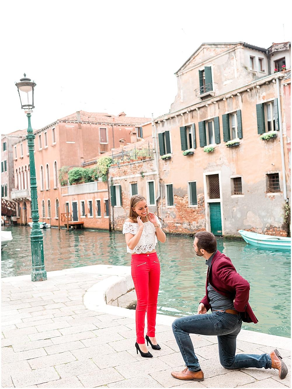 venice-italy-wedding-proposal-gondola-sunset-photoshoot16.jpg