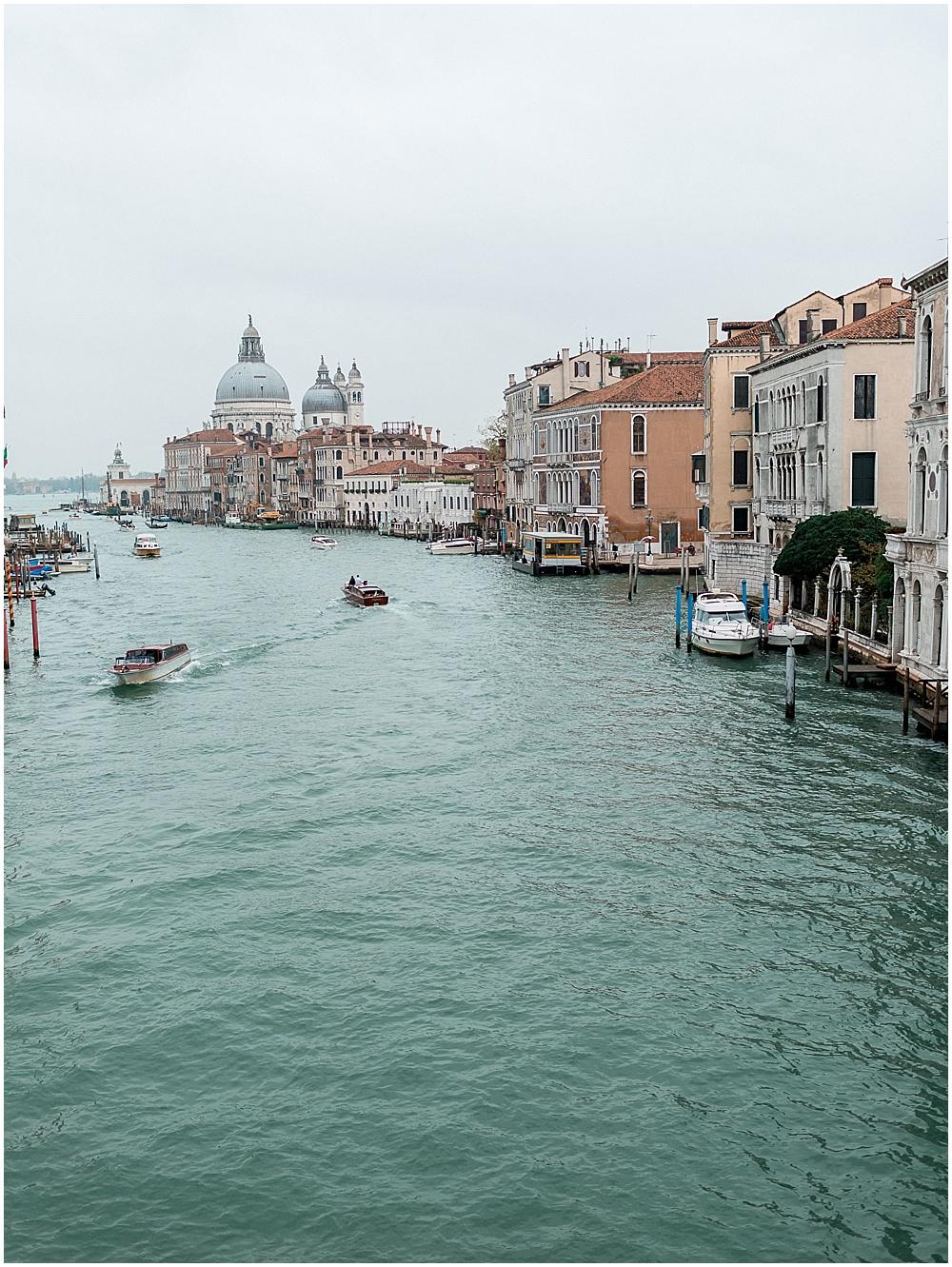 venice-italy-wedding-proposal-gondola-sunset-photoshoot25.jpg