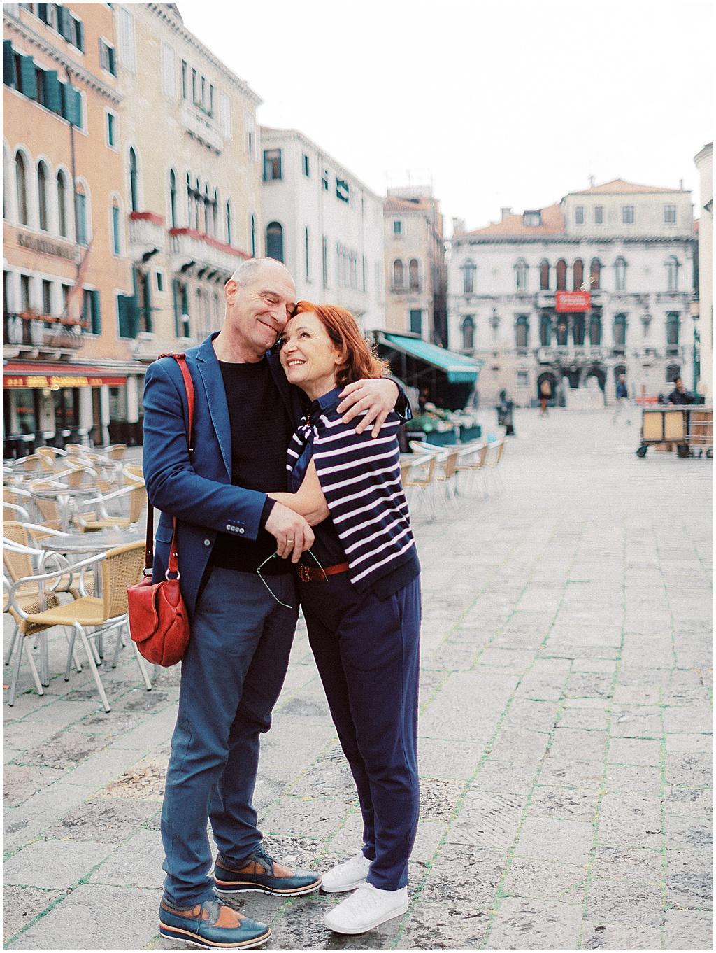 couple-photoshoot-in-venice-sunrise-stefano-degirmenci_0045.jpg