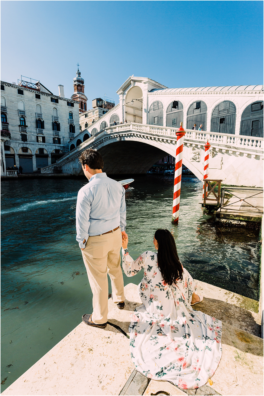 couple-lifestyle-photoshoot-in-venice-gondola-sunrise-stefano-degirmenci_0093.jpg