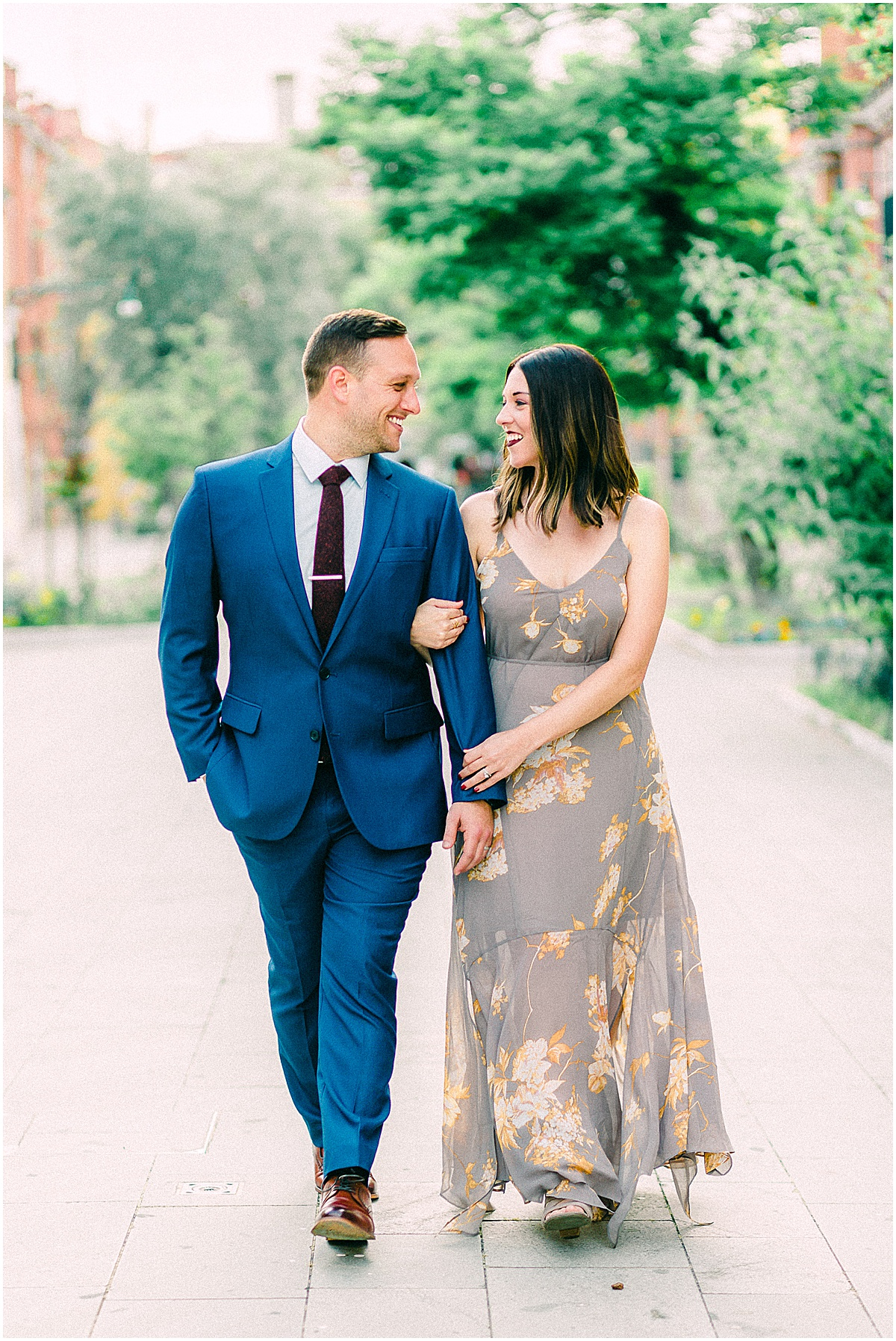 lifestyle-portrait-photography-couple-in-venice-gondola-sunrise-stefano-degirmenci_0206.jpg