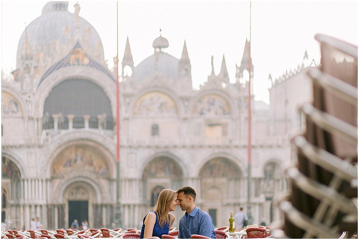 lifestyle-portrait-photography-couple-in-venice-gondola-sunrise-stefano-degirmenci_0240.jpg