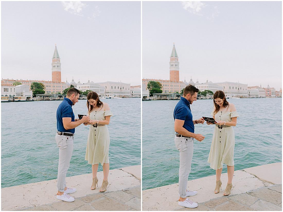 wedding-surprise-proposal-photographer-venice-gondola-sunset-stefano-degirmenci_0363.jpg