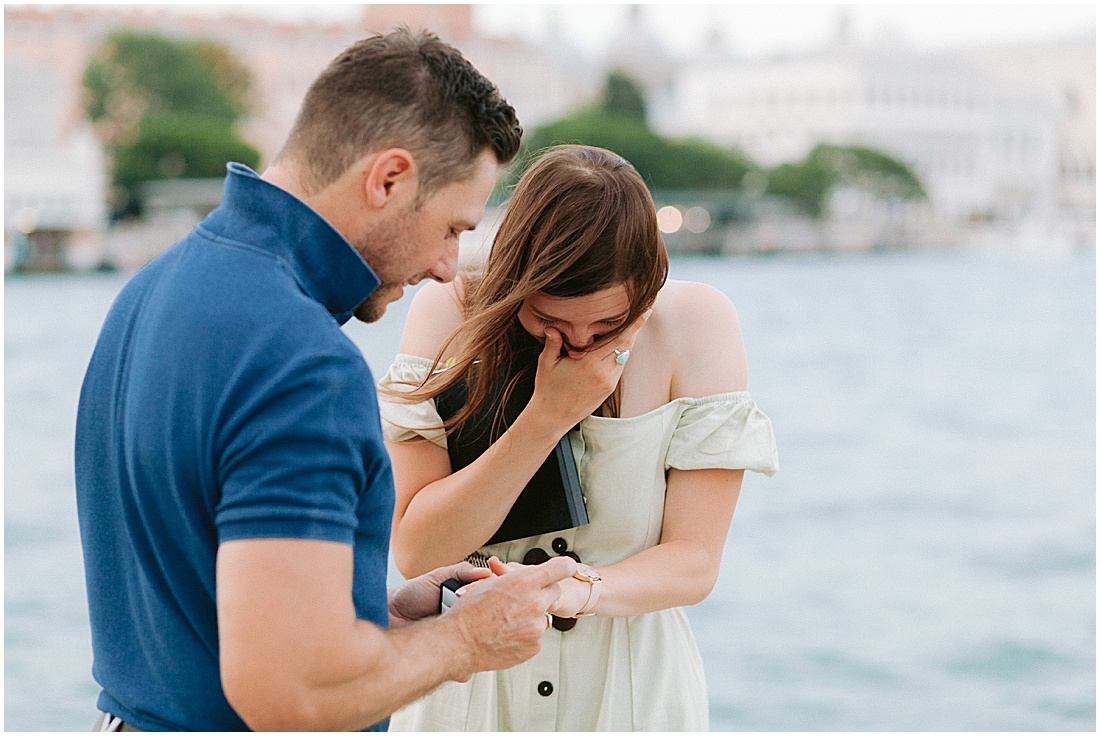 wedding-surprise-proposal-photographer-venice-gondola-sunset-stefano-degirmenci_0378.jpg