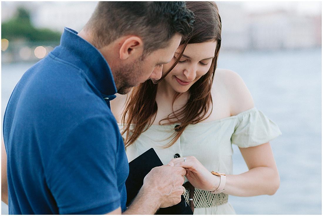 wedding-surprise-proposal-photographer-venice-gondola-sunset-stefano-degirmenci_0373.jpg