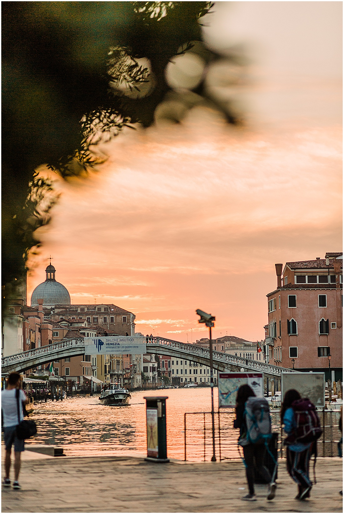 wedding-photographer-venice-gondola-sunset-stefano-degirmenci_0390.jpg