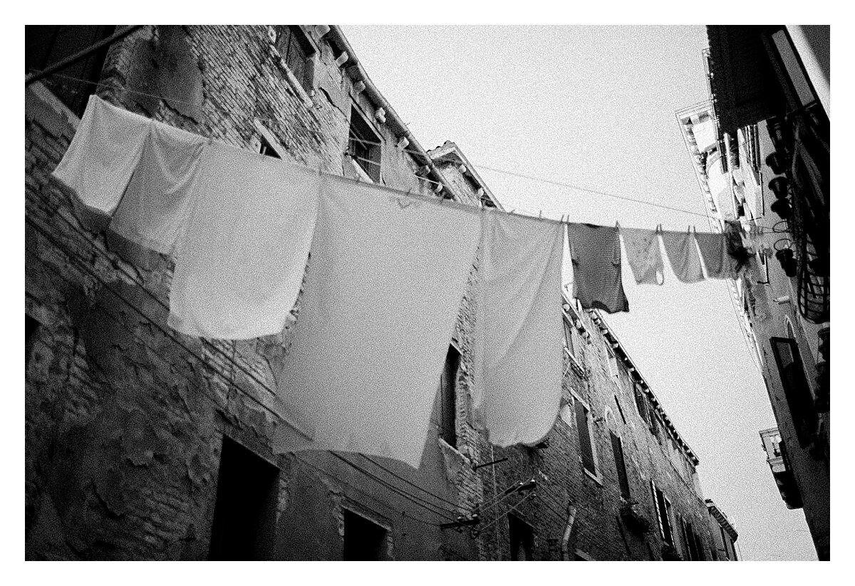 VENICE-COUPLE-PHOTOSHOOT-film-fuji-400h-stefano-degirmenci_0788.jpg
