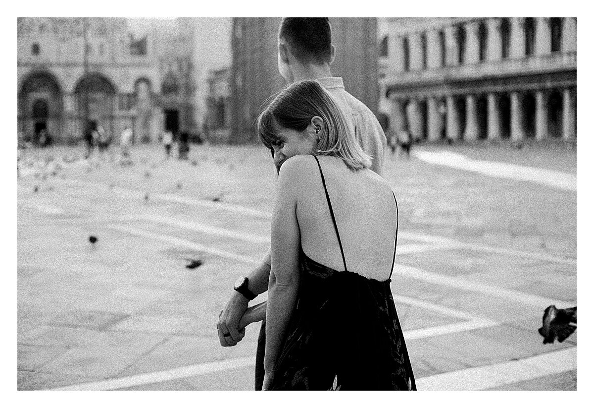 VENICE-COUPLE-PHOTOSHOOT-film-fuji-400h-stefano-degirmenci_0819.jpg
