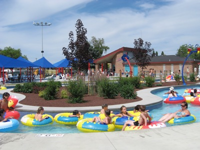 Moses Lake Surf'n Slide Water Park features a 300 ft lazy river.