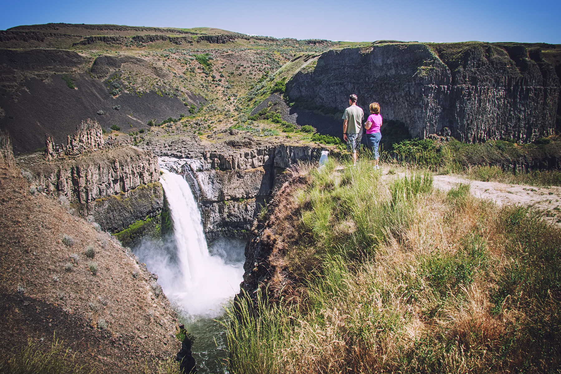 The second overlook just up the trail from the parking lot offers another stunning view of the falls. Photo Courtesy  © Steven Pavlov  /  http://commons.wikimedia.org/wiki/User:Senapa  /  CC BY-SA 4.0