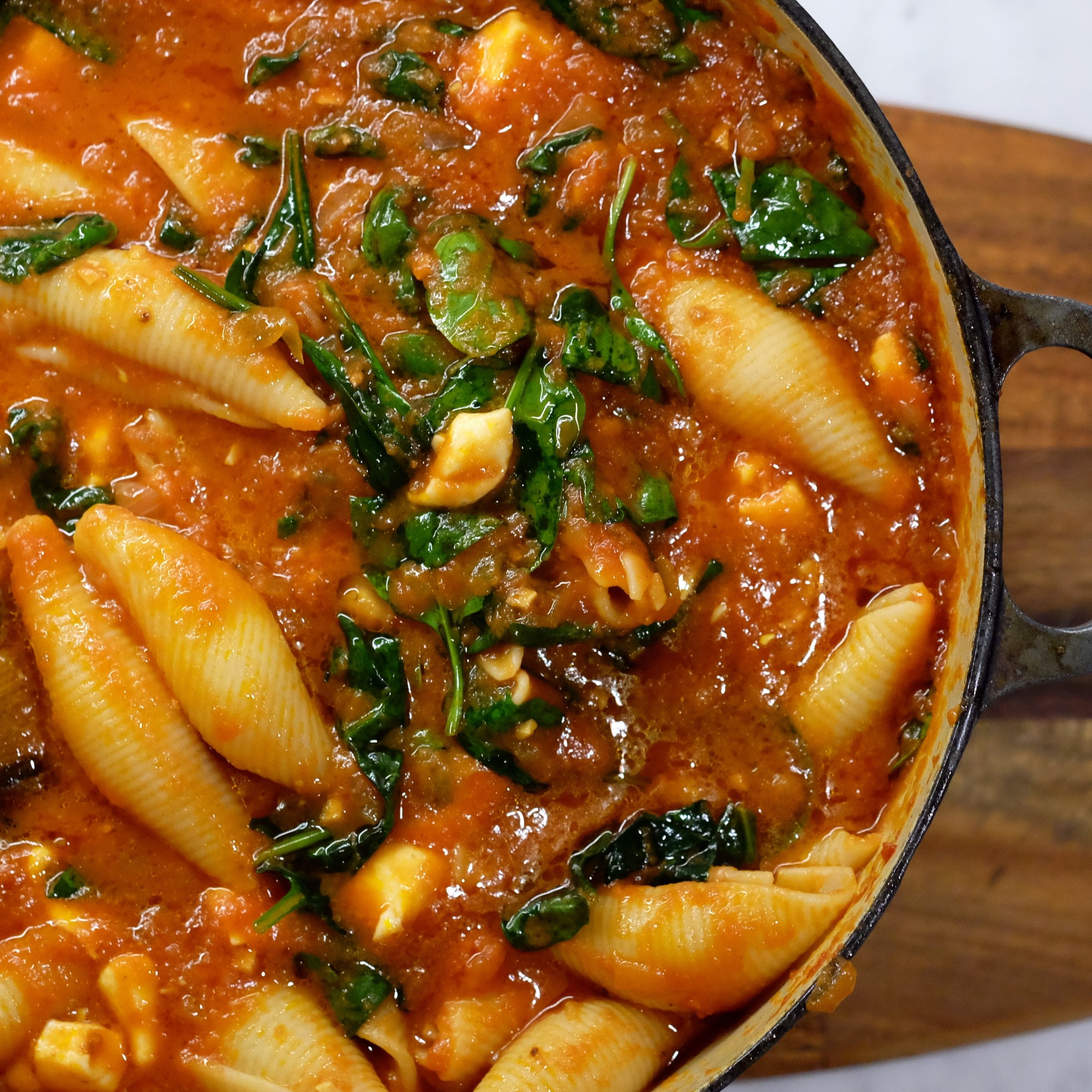 tomato sauce with pasta shells and cheese