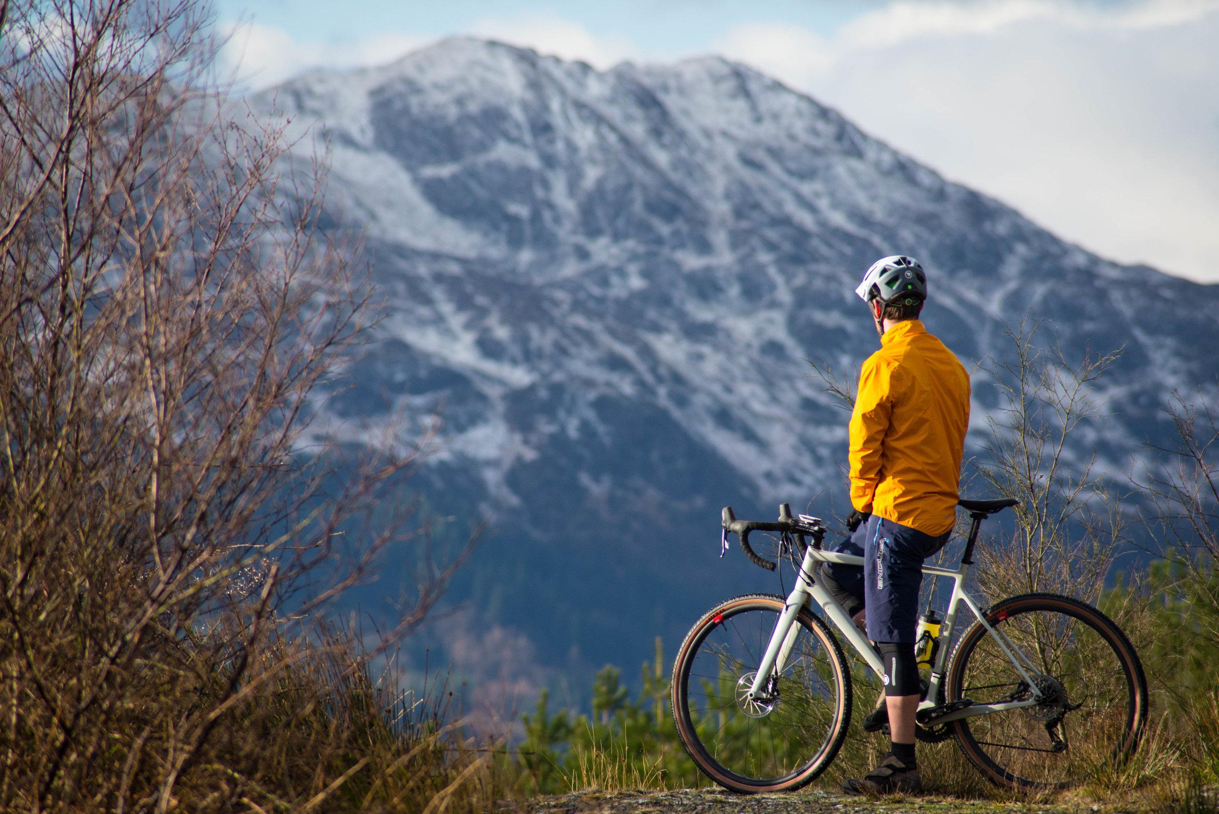 Endura kit, a Santa Cruz bike and some Dukes Weekender landscape… perfect :)