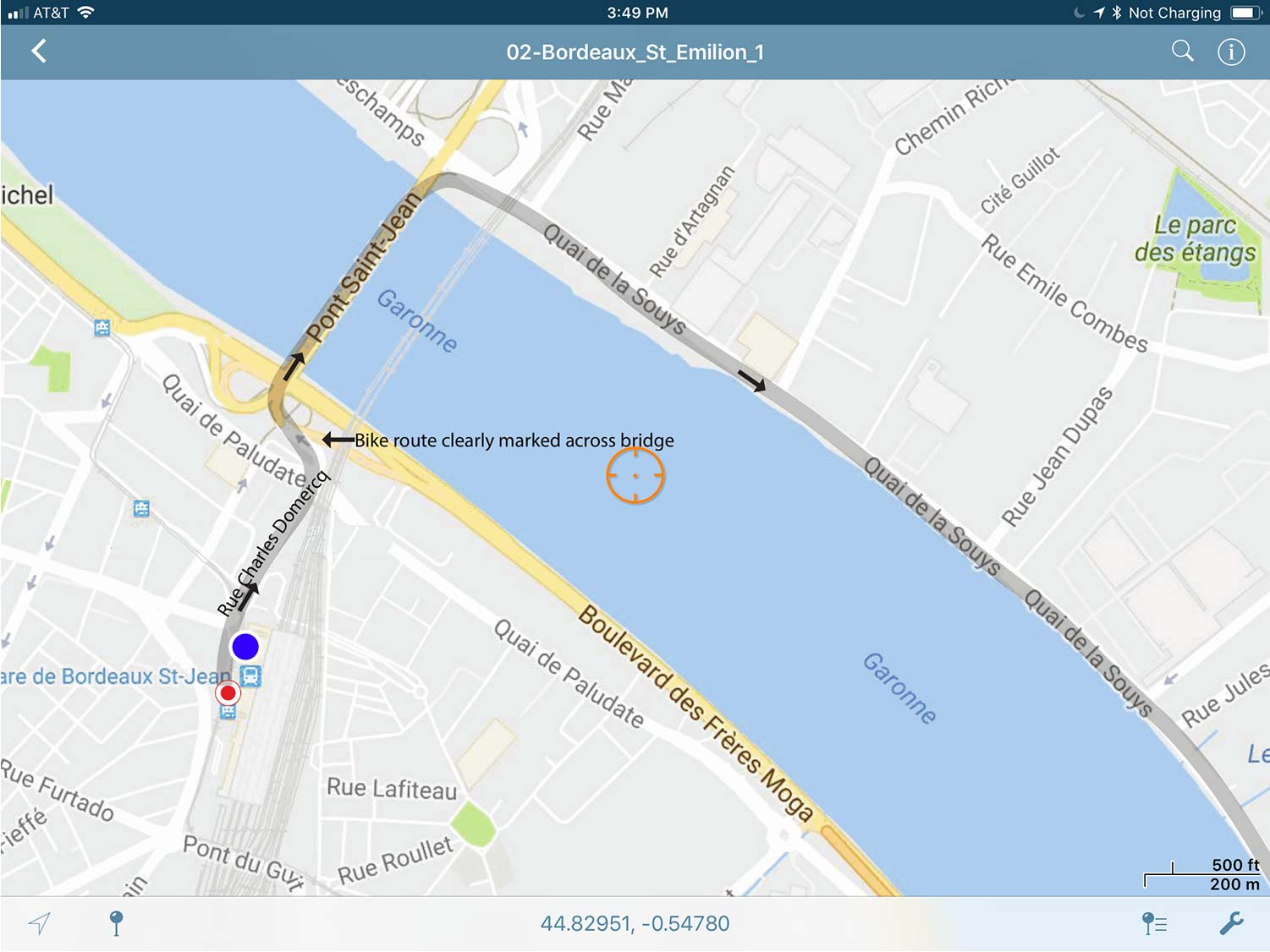 A small sample of an actual map as we see it on our iPad Mini. This is how the ride Bordeaux-Arcachon starts out. Blue dot is your position (right now, we're in the Bordeaux train station). The grey line is your route!