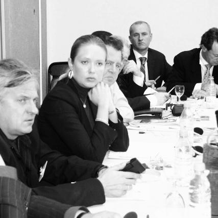 Преимущества наших программ - Обучение по высоким Европейским стандартамПрограммы проводятся при участии лучших практик - мировых специалистов и охватывают ряд актуальных тем, отвечающих потребностям бизнесаЦелевая аудиторияПрограммы разбиты по отраслям промышленности, видам деятельности или специфическим темамОбеспечение деловыми связями на региональном, национальном и международном уровнеИндивидуальный подход - небольшие группыГибкость представления интерактивного контактаВозможность проведения программ в любой стране мира