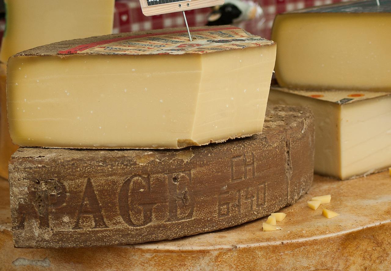 cheese-2368695_1280.jpg