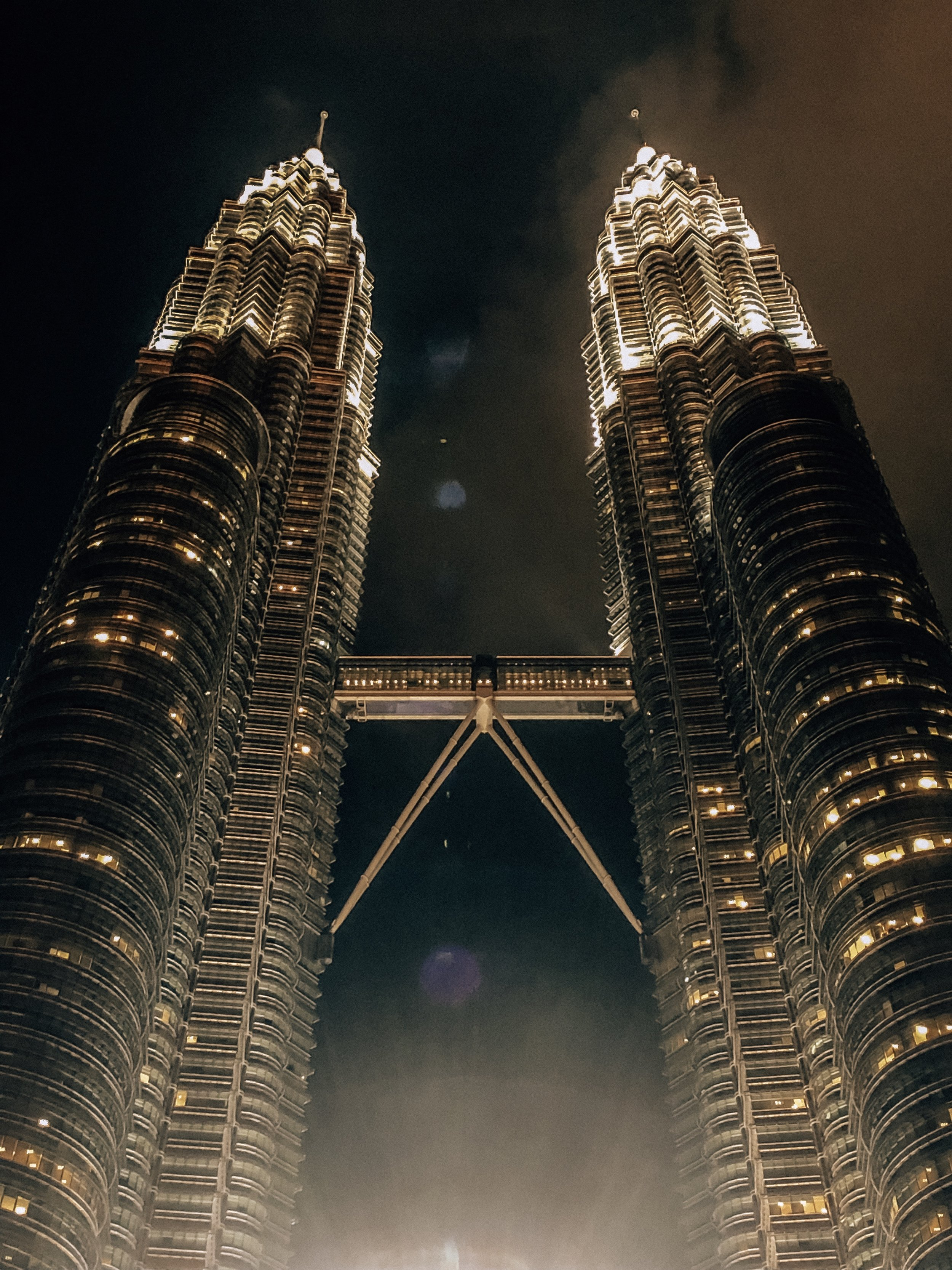 Best views for evening exterior of Petrona Towers Kuala Lumpur