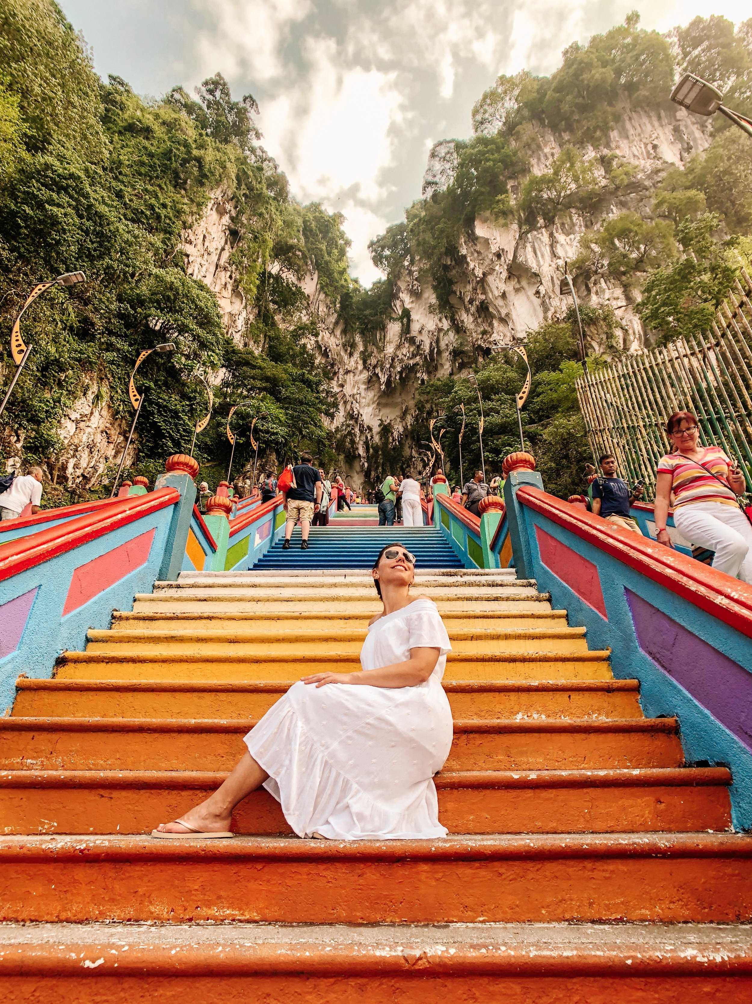 How to pose on the Malaysia colourful steps in Kuala Lumpur