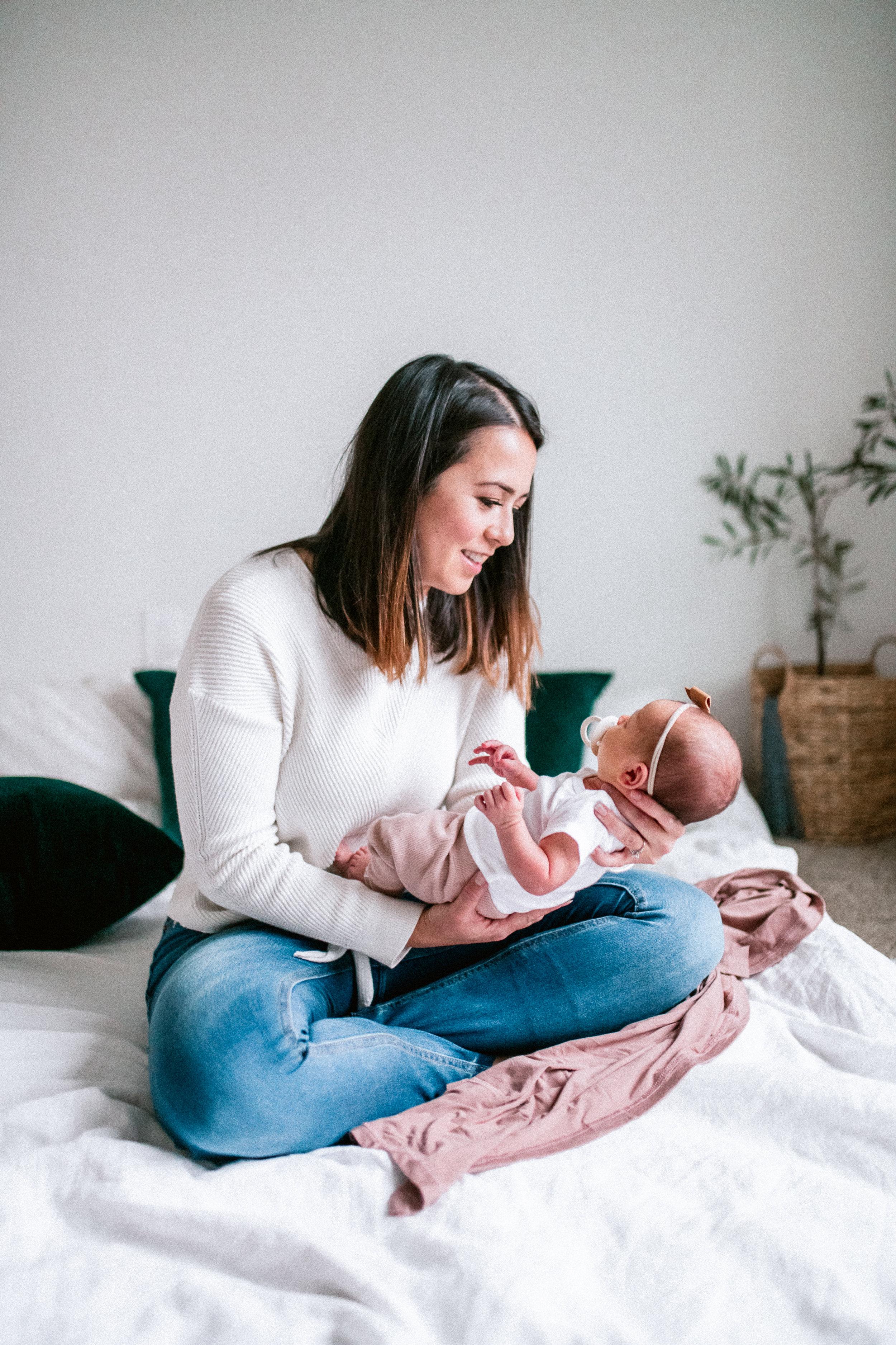 diy-newborn-photos-at-home