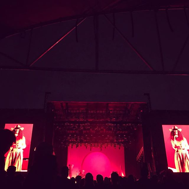 Last American #Solange show of the year.