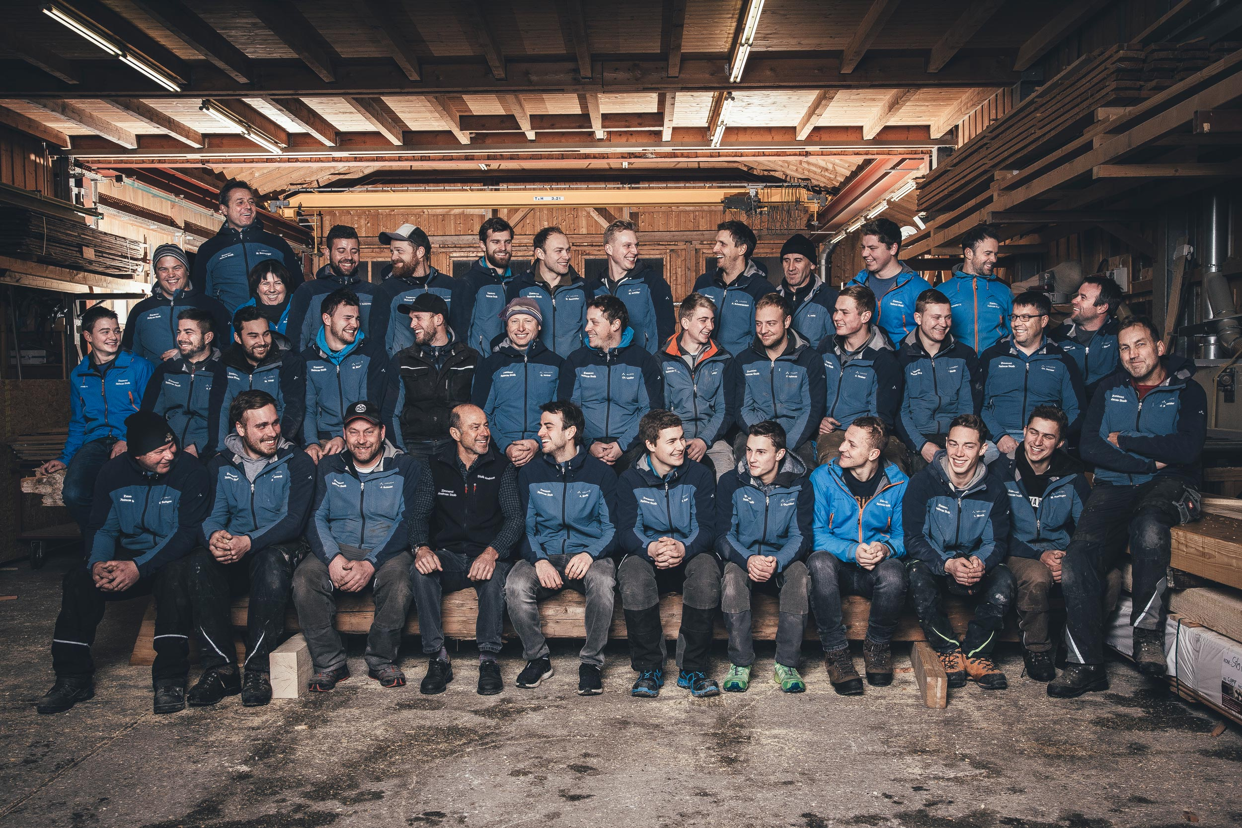 zimmerei-stoib-holzbau-holzhaus-team.jpg
