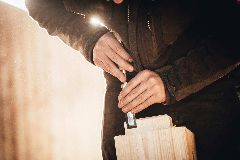 ZIMMERERARBEITEN - Unser traditionsreiches Handwerk auszuüben erfüllt uns jeden Tag aufs neue mit Stolz und Freude. Dabei übernehmen wir sämtliche klassische Zimmererarbeiten.