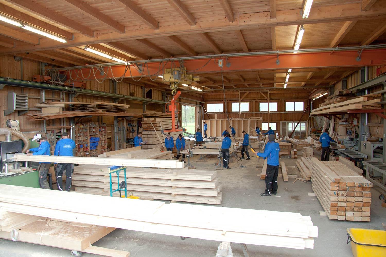 zimmerei-stoib-holzbau-werkstatt-abbundhalle.jpg
