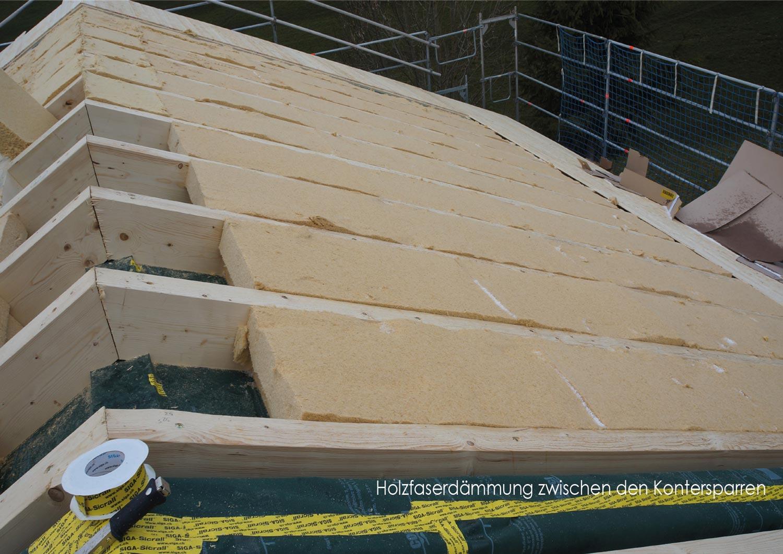 zimmerei-stoib-holzbau-holzhaus-stehende-blockwand-montage-bauablauf-10.jpg