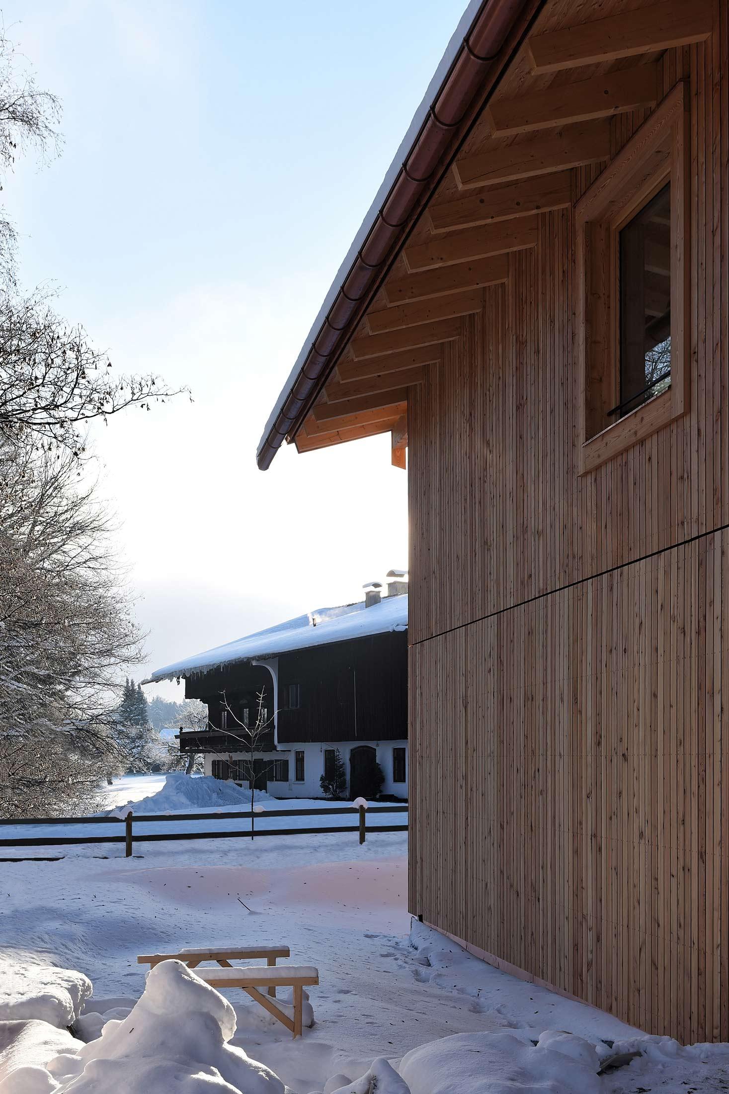 zimmerei-stoib-holzbau-holzhaus-modern-fassade-lärche-05.jpg