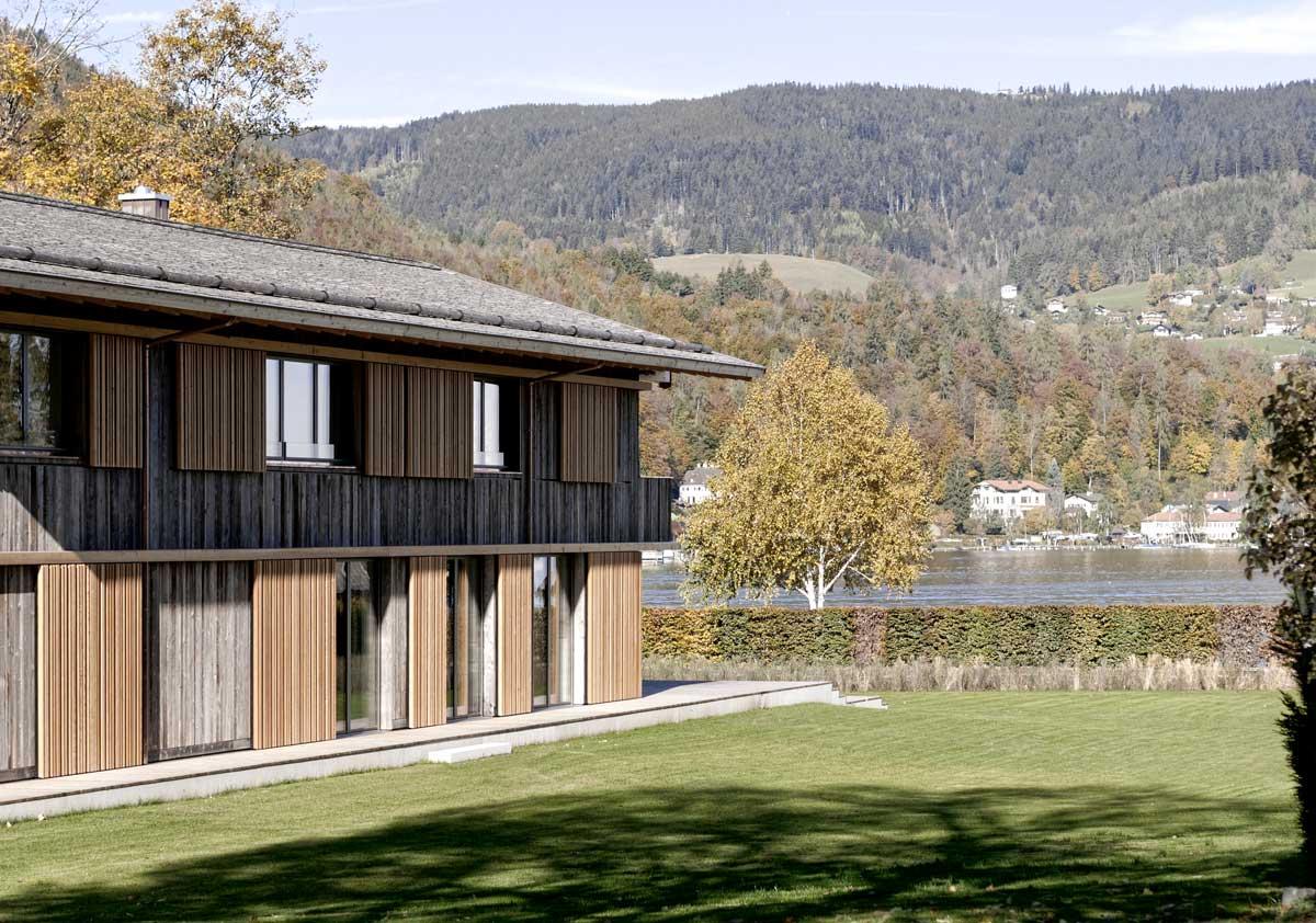 Holzhausbau - Wir bauen ihr individuelles Haus in Holzbauweise. Der ökolgische Baustoff bietet facettenreichen Konstruktions- und Gestaltungsmöglichkeiten.