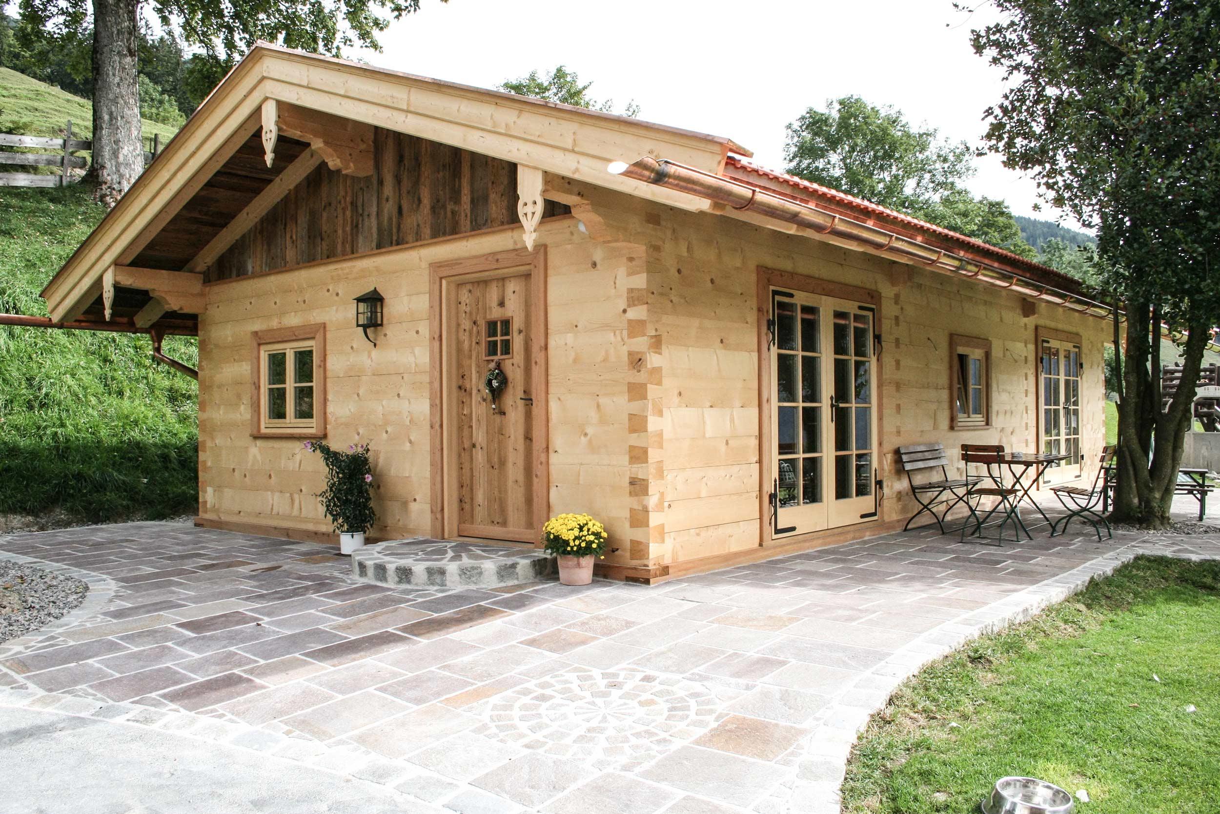 zimmerei-stoib-holzbau-holzhaus-cafe-siglhof-bayrischzell-blockhaus-fichte-01.jpg