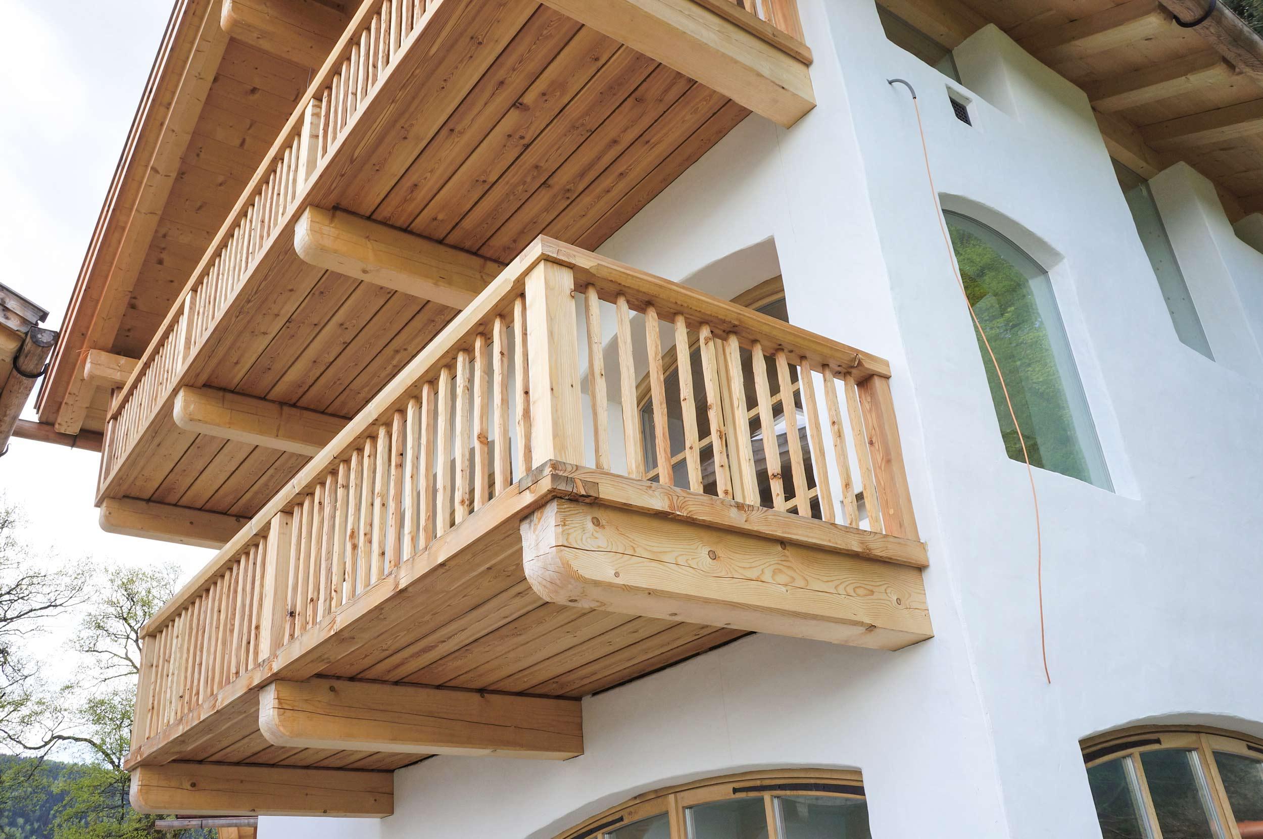 zimmerei-stoib-holzbau-holzhaus-tegernsee-bad-wiessee-balkon-dachstuhl-03.jpg