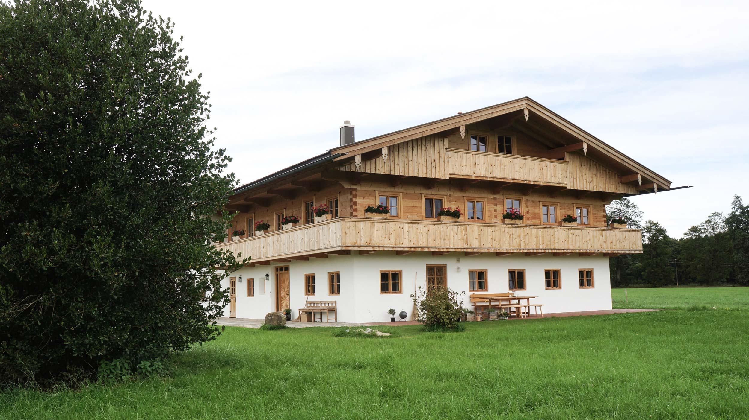 zimmerei-stoib-holzbau-holzhaus-bauernhof-sanierung-umbau-blockhaus-balkon-warngau-03.jpg