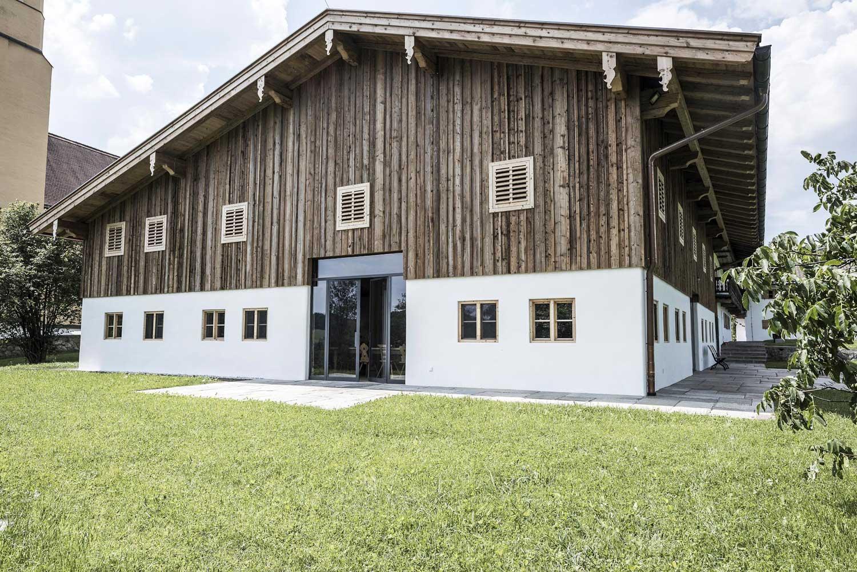 Hof mit festsaal - Sanierung - 2018   Landkreis Miesbach