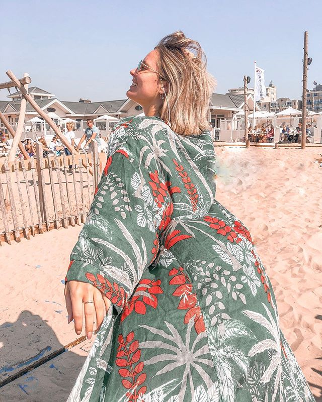 OH YEAH, let the sun shine!! Time for more beachdays and kimono's! ☀️🔥🙌🏻