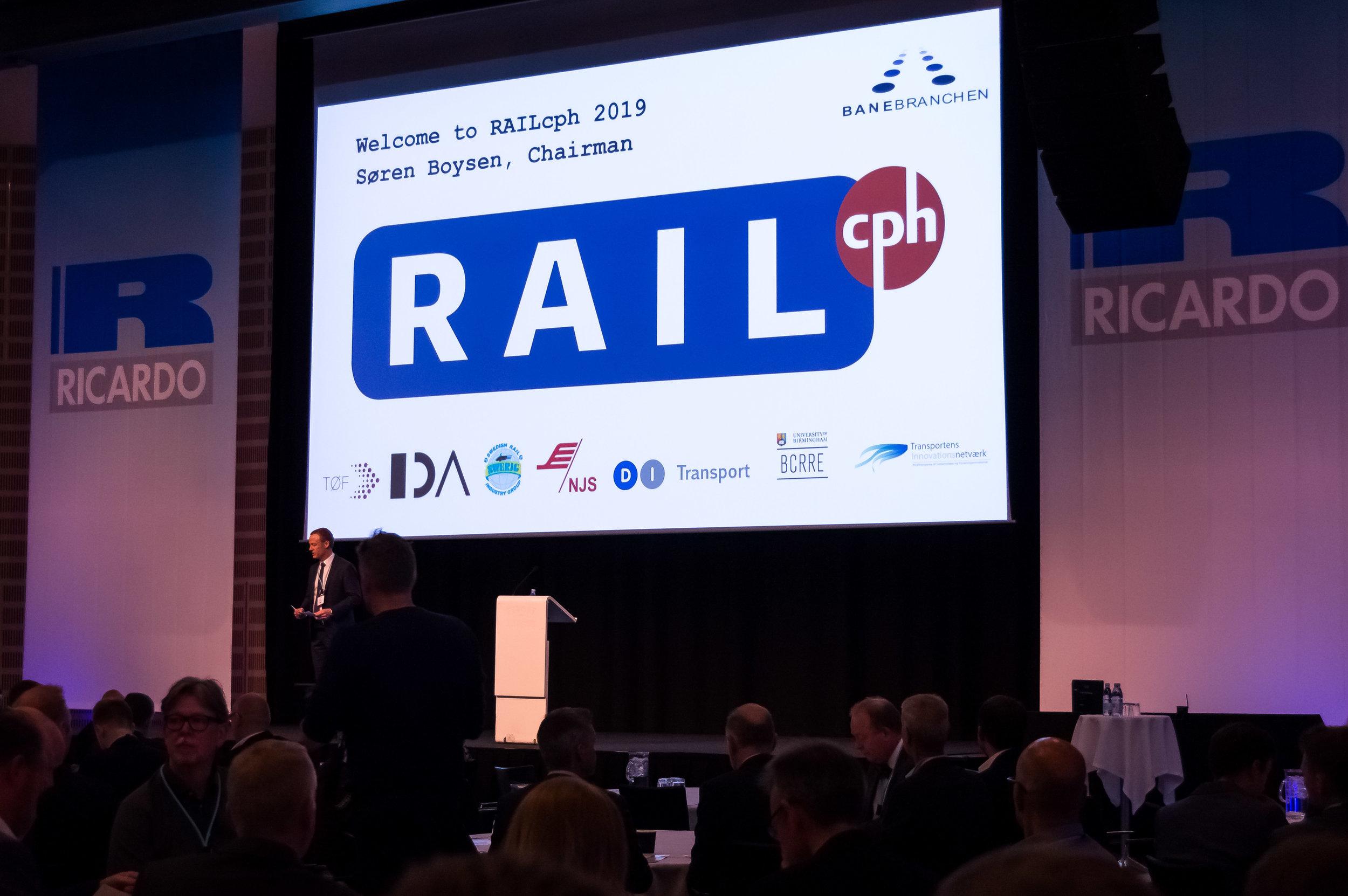 Velkommen_Rail_Sasha_Scherg-kopi.jpg