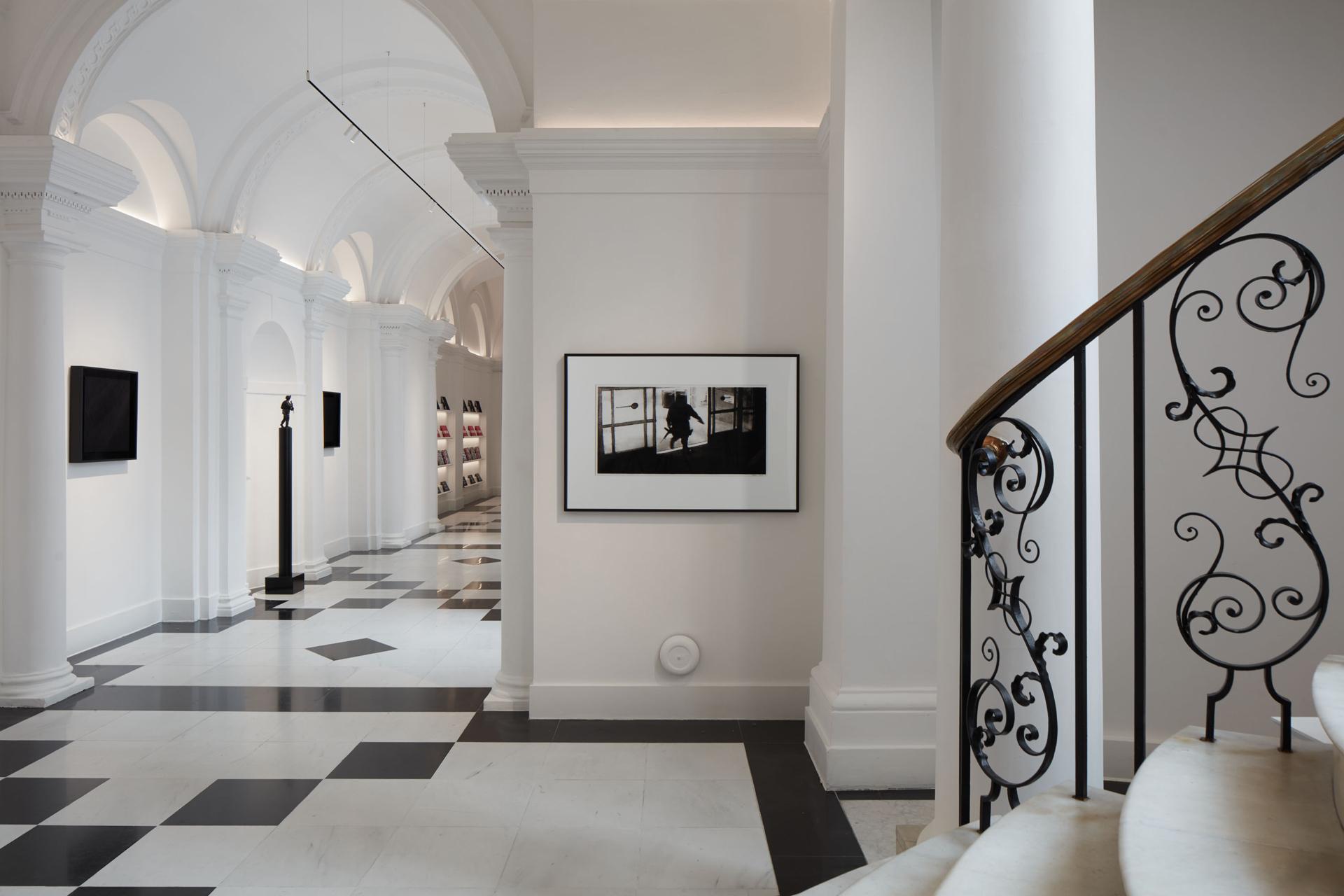 PJC-Light-Studio-Galerie-Thaddaeus-Ropac-Robert-Longo-01W.jpg