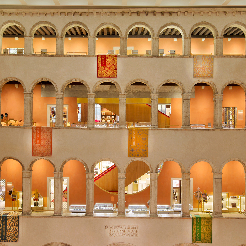 PJC-Light-Studio-Fondaco-dei-Tedeschi-Thumbnail-01.jpg