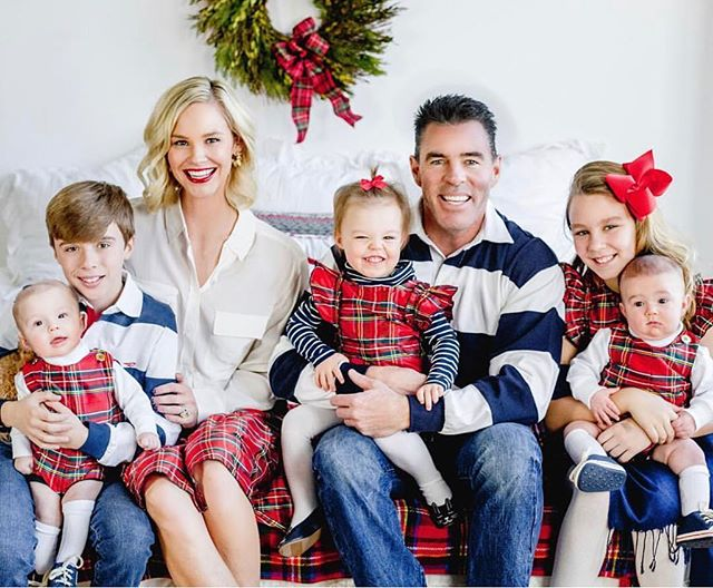 Been dying to share these photos from @meghankedmonds Holiday Card session - check out her bio to read her blog on all the magic from the session - and how she managed to pull off these incredible photos of her gorgeous family - also loving her representing our client @hellodobson holiday threads. #curatingmagic #bringthesparkles