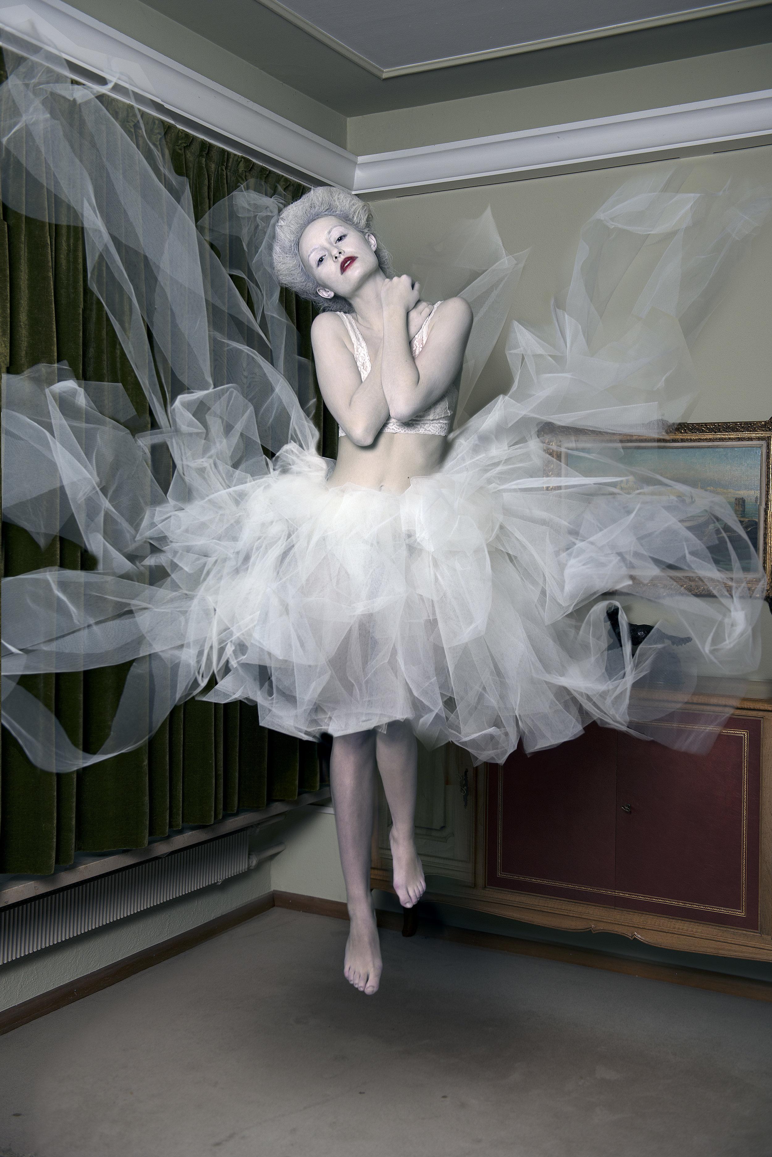 Make-Up, Hair & Styling: Julie Fuhrmann Make-Up Artist - www.juliefuhrmann.com  Model: Janine Neuenschwander