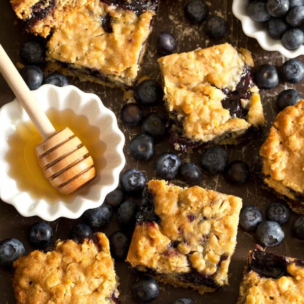 honey-blueberry-oatmeal-bars.png