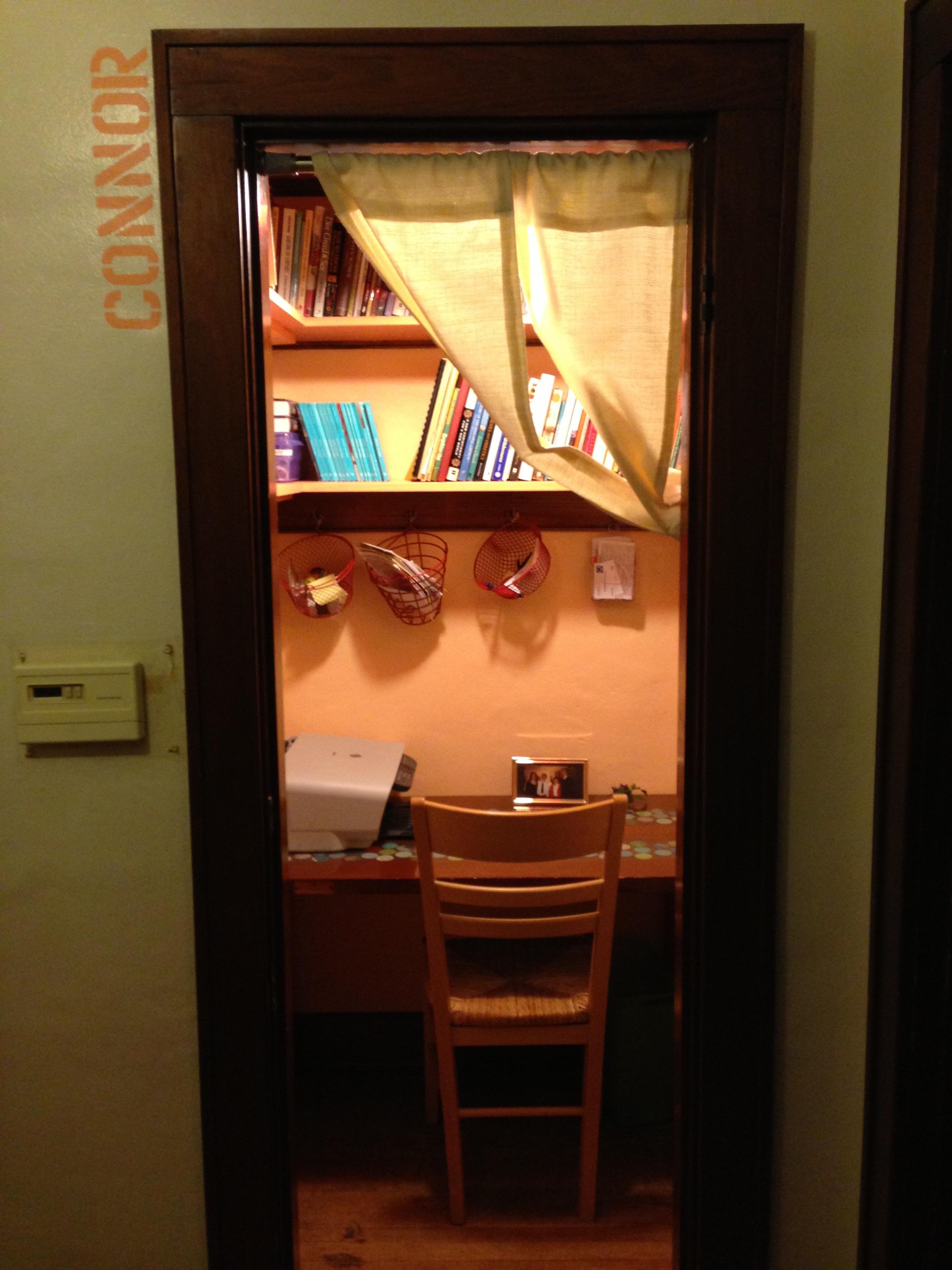 Alice's new closet office, or cloffice